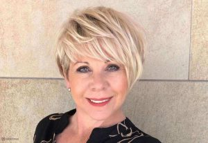 hairstyles-for-women-over-50-2021