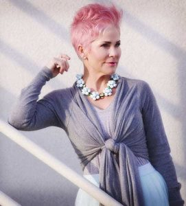 short-hairstyle-for-women-over-50-2021